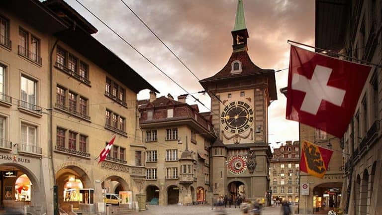 Calle Käfigturm en Berna