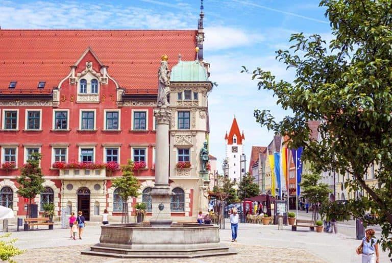 Pueblo de Mindelheim en Alemania, foto marienplatz
