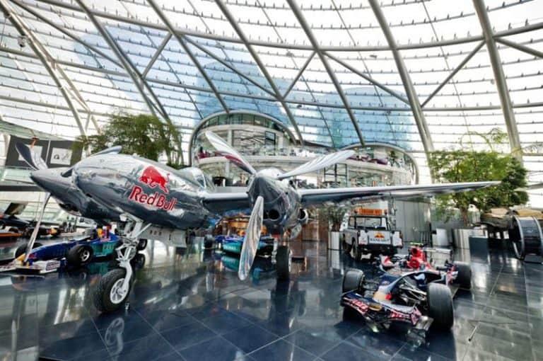Visitar Hangar 7, el museo de Red Bull en Salzburgo