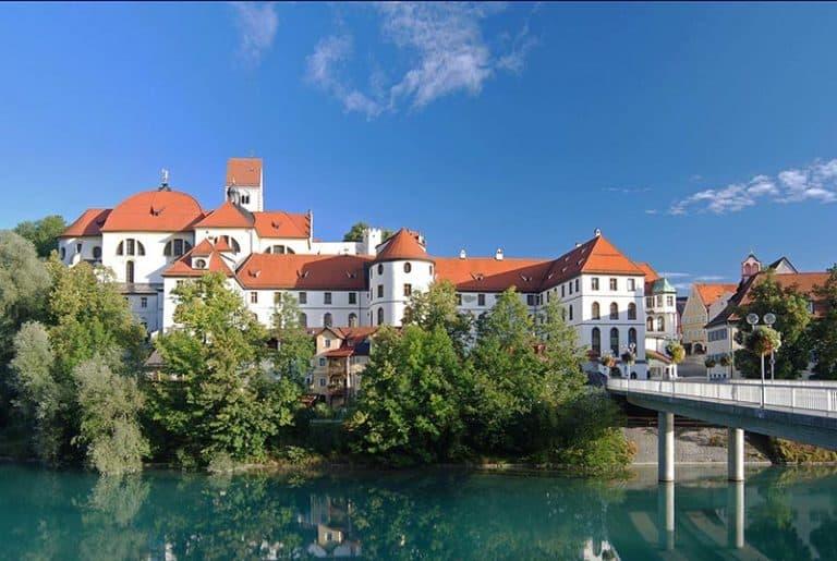 Vista del pueblo bávaro, Fuessen