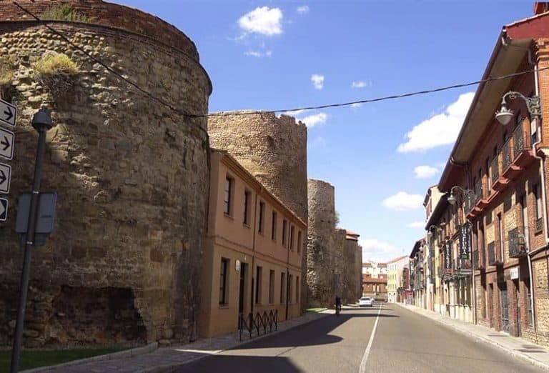 Murallas de León - Atracciones turísticas de León